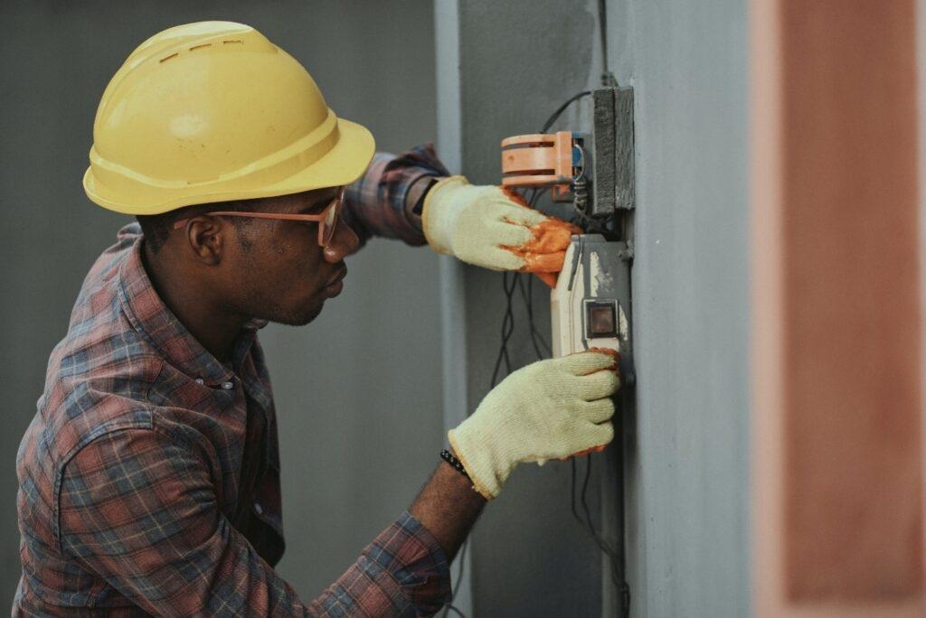 Electrician-doing-repairs